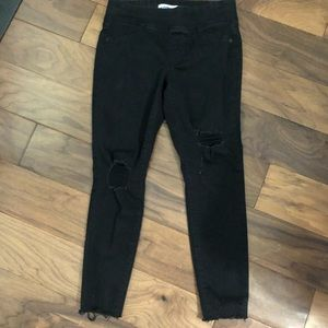 Old Navy Rockstar jeans in size 4 petite